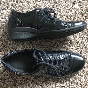 Ecco Oxford Sneaker